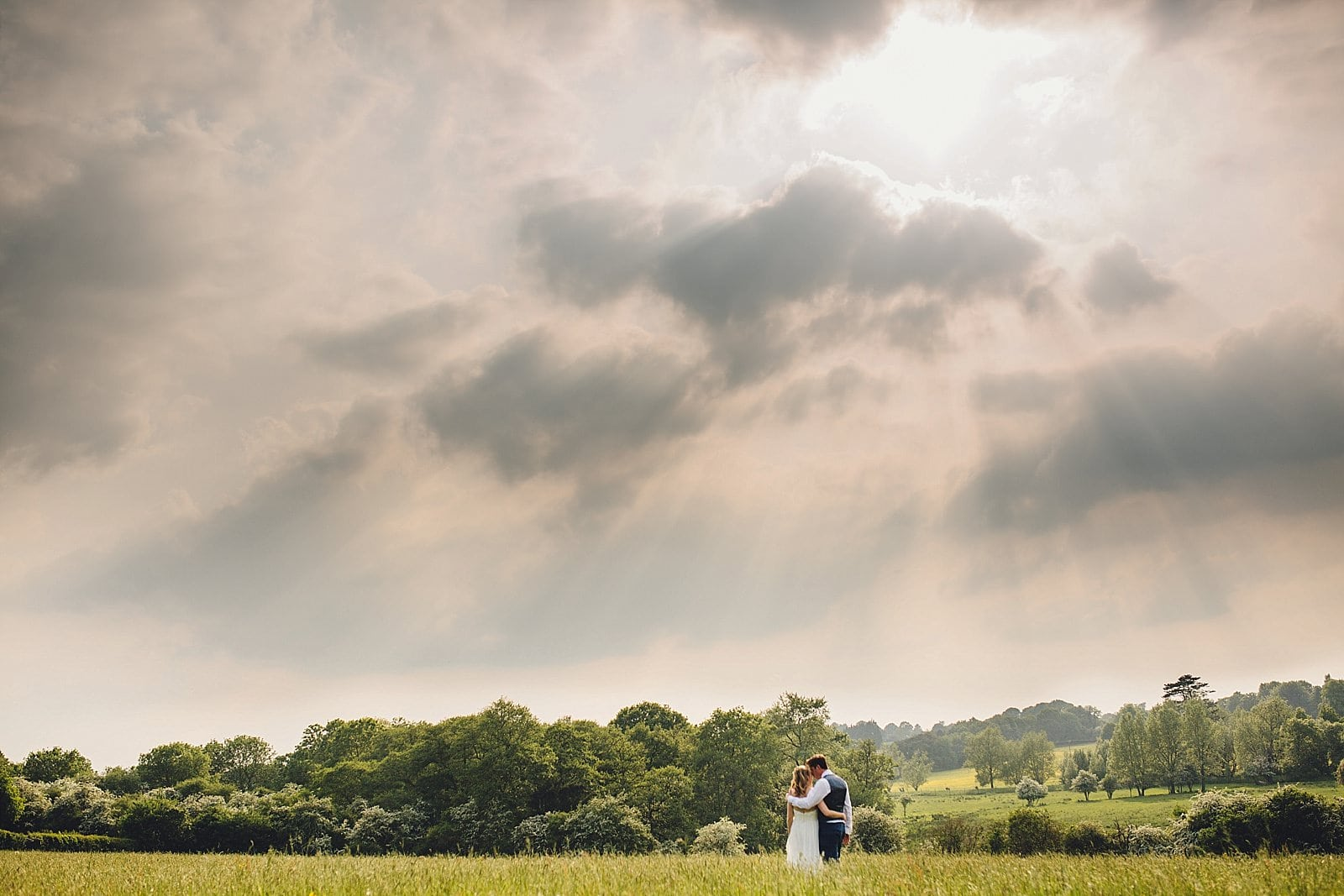 dovecote-barn-wedding-photography-adderbury_0059