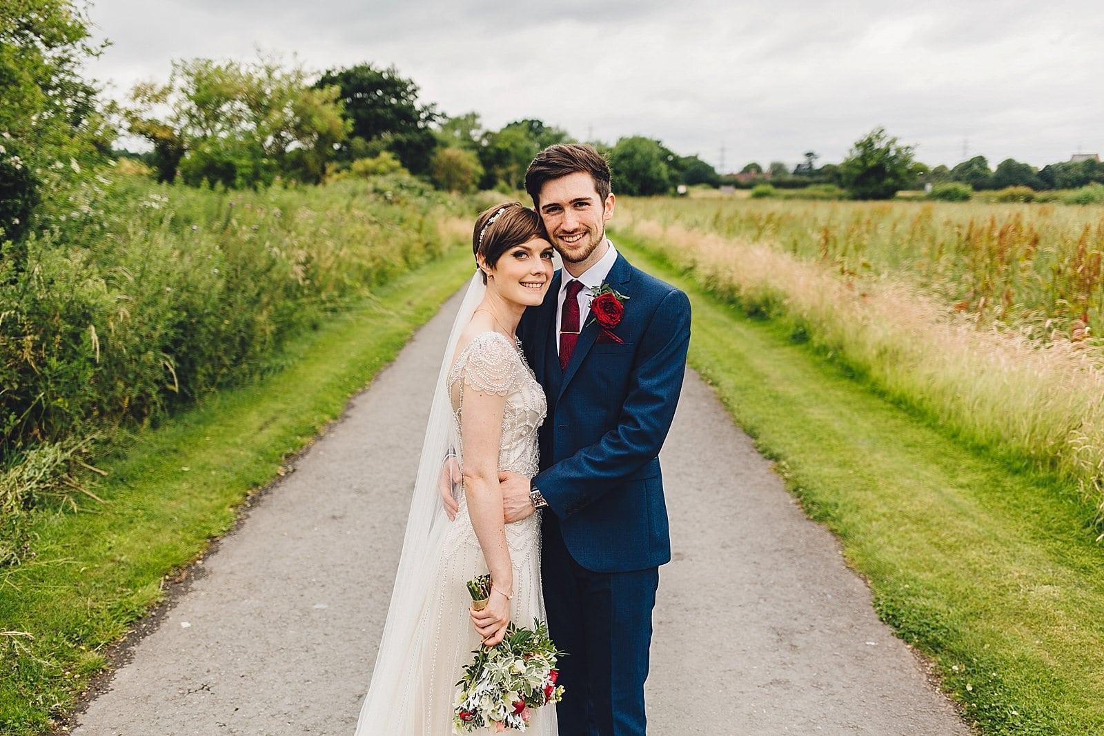 shustoke-barn-wedding-photography_0045