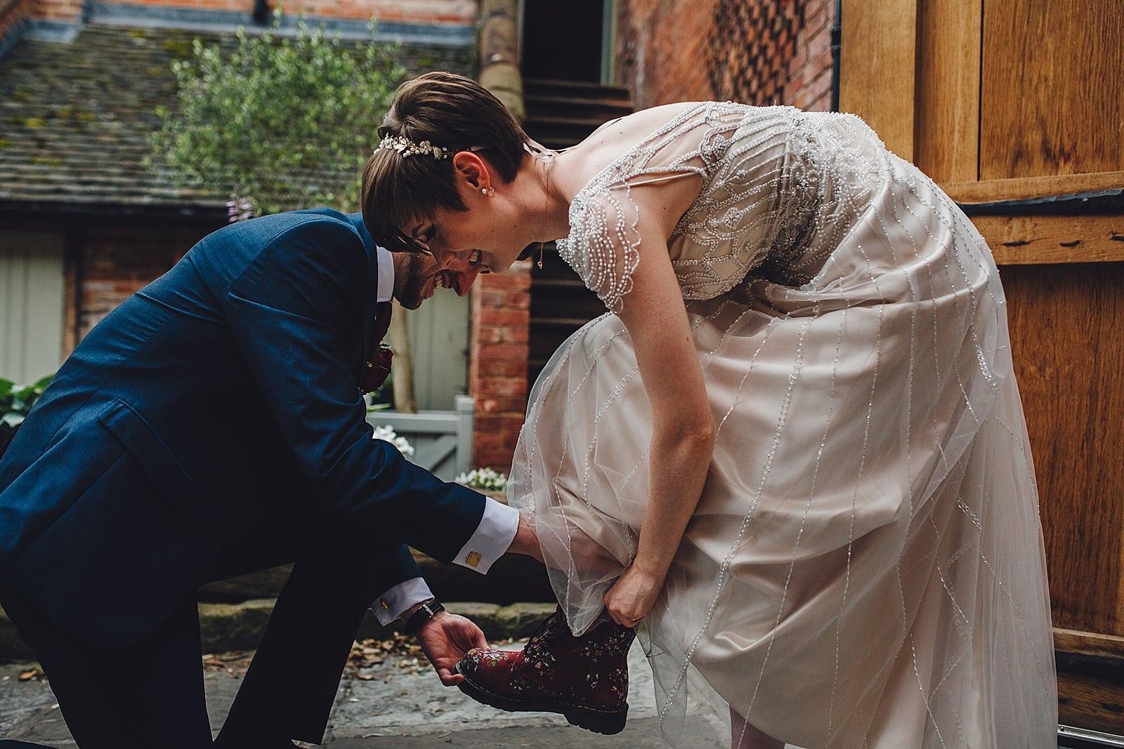 shustoke-barn-wedding-photography_0073