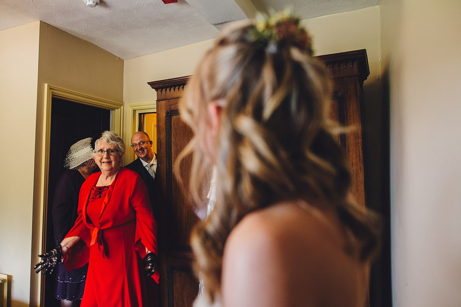 dovecote-barn-wedding-photography-adderbury_0013