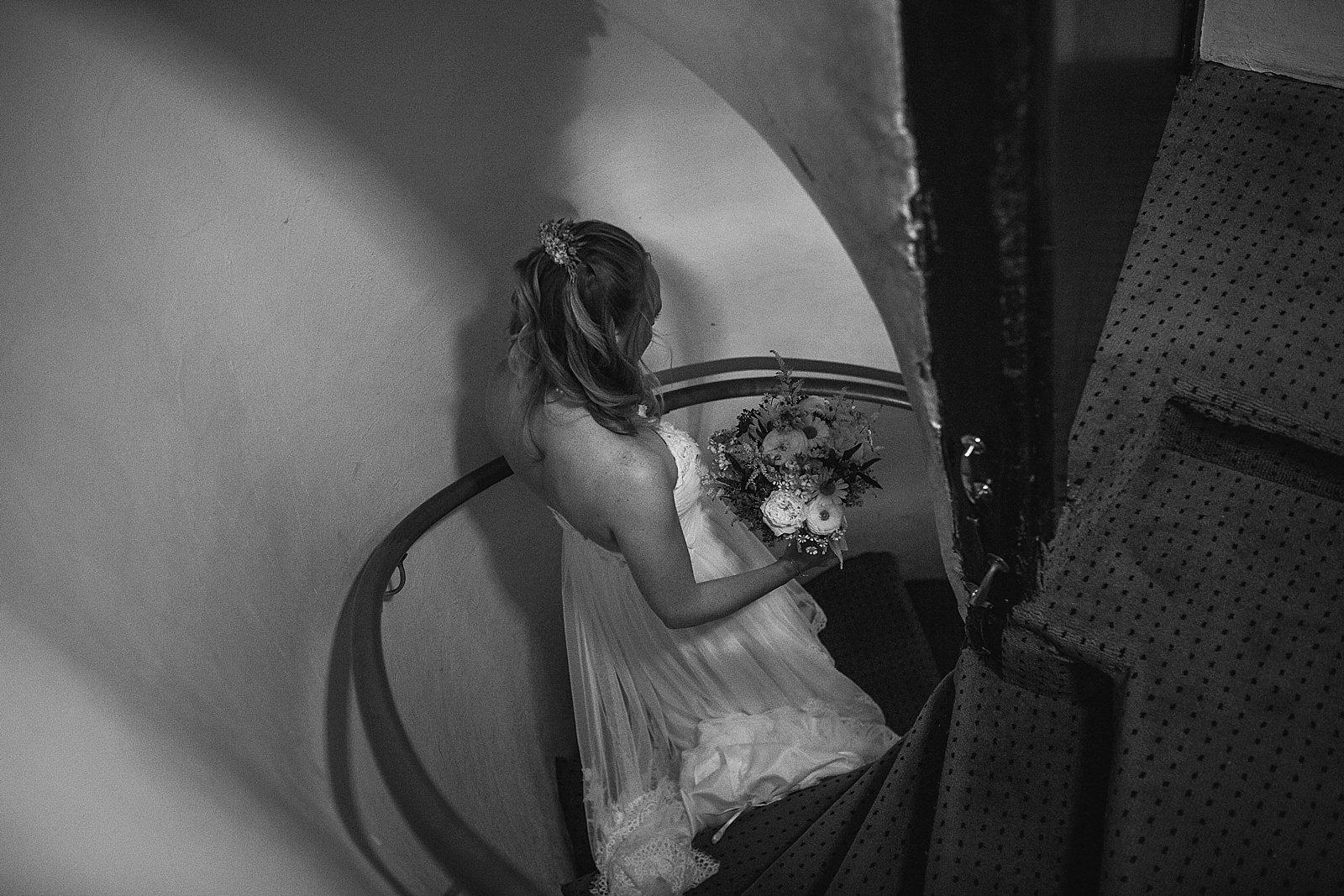 dovecote-barn-wedding-photography-adderbury_0015
