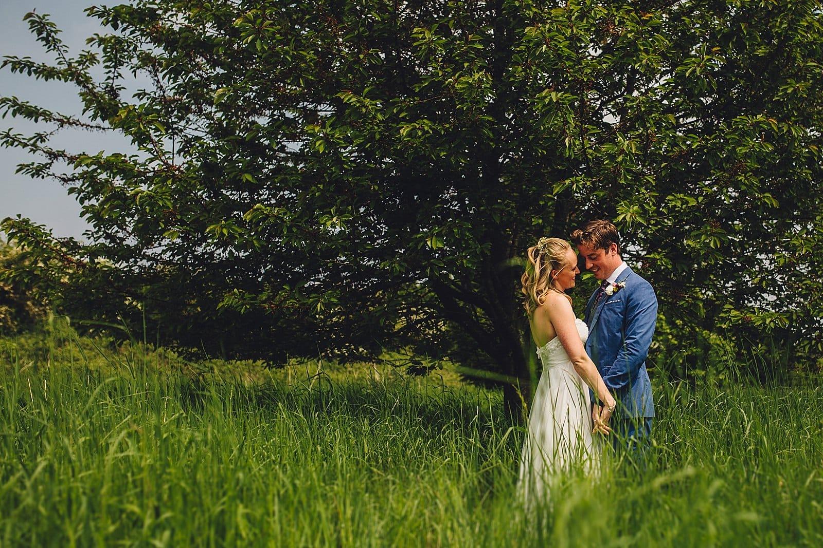 dovecote-barn-wedding-photography-adderbury_0027