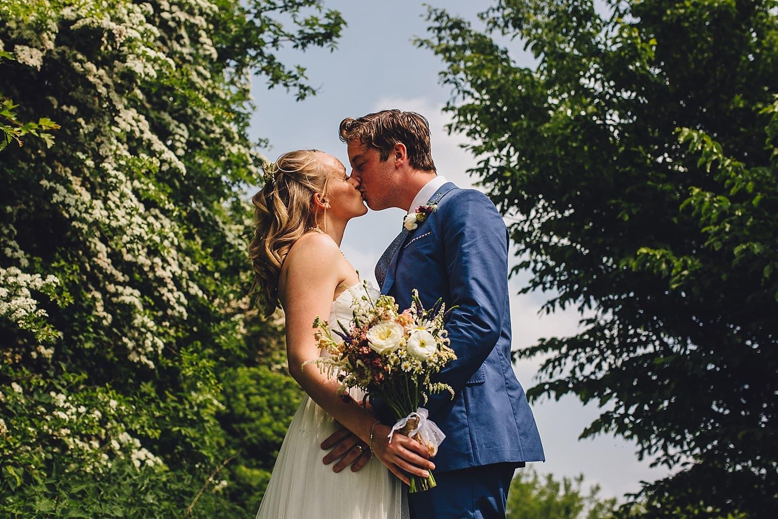 dovecote-barn-wedding-photography-adderbury_0028