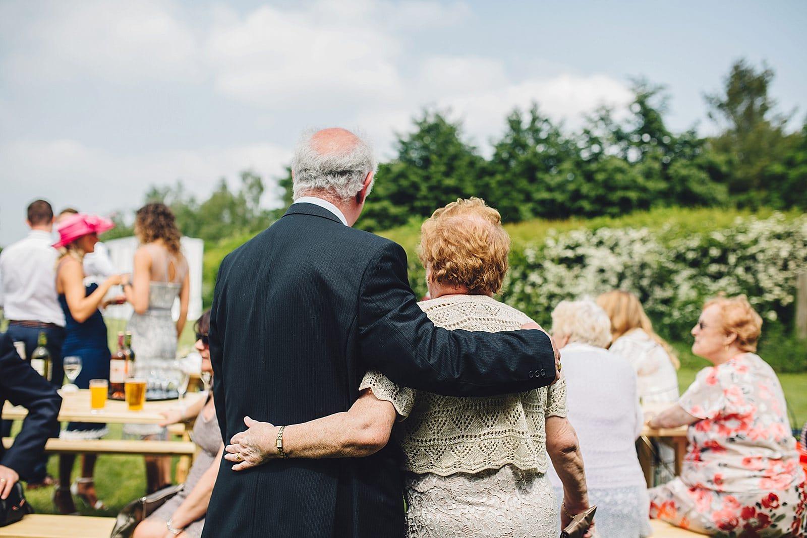 dovecote-barn-wedding-photography-adderbury_0034