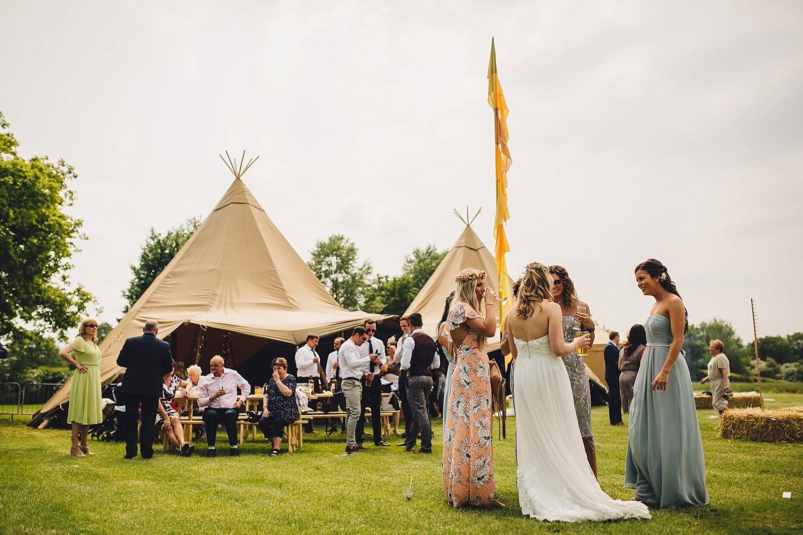 dovecote-barn-wedding-photography-adderbury_0037