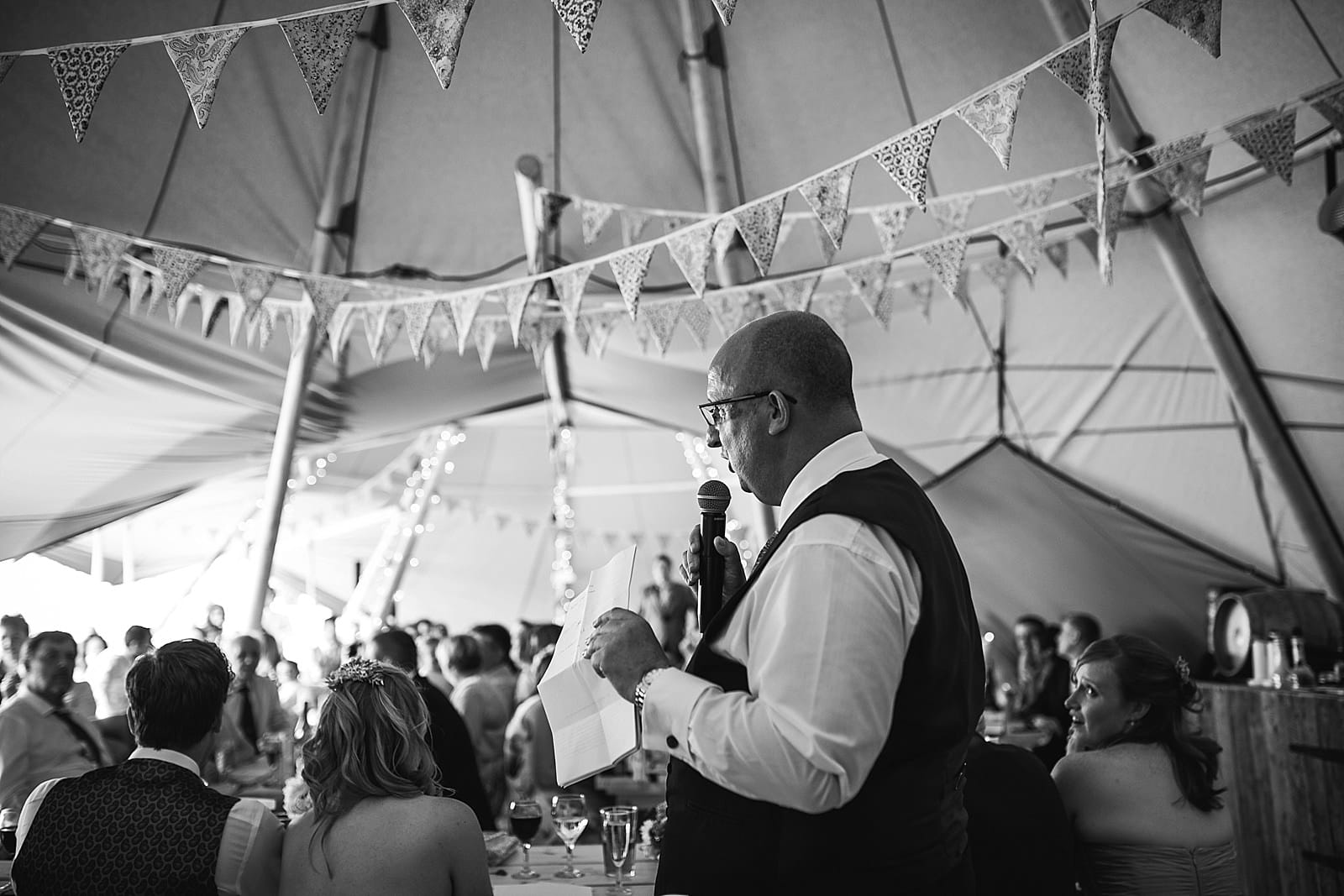 dovecote-barn-wedding-photography-adderbury_0043