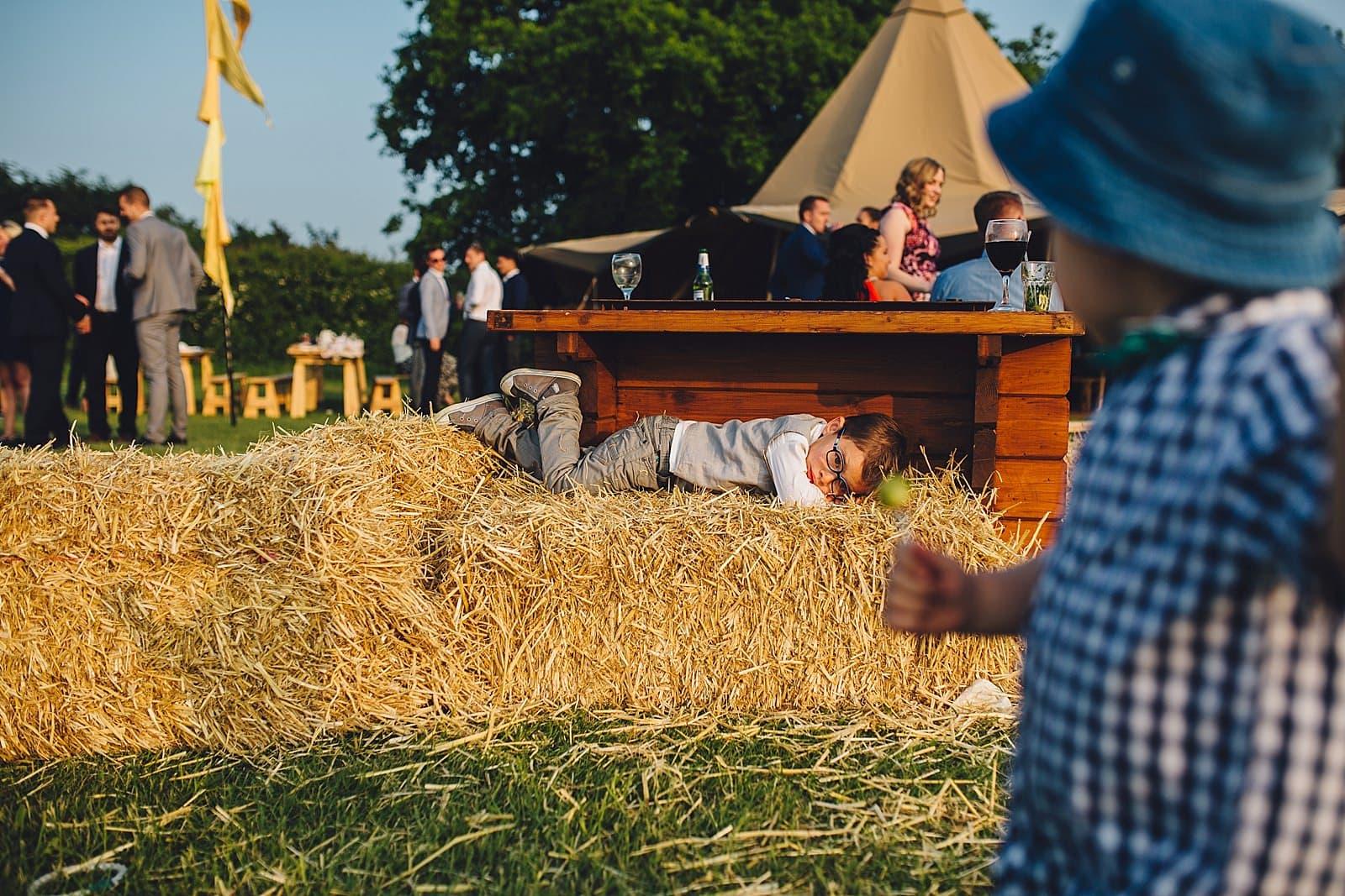 dovecote-barn-wedding-photography-adderbury_0068