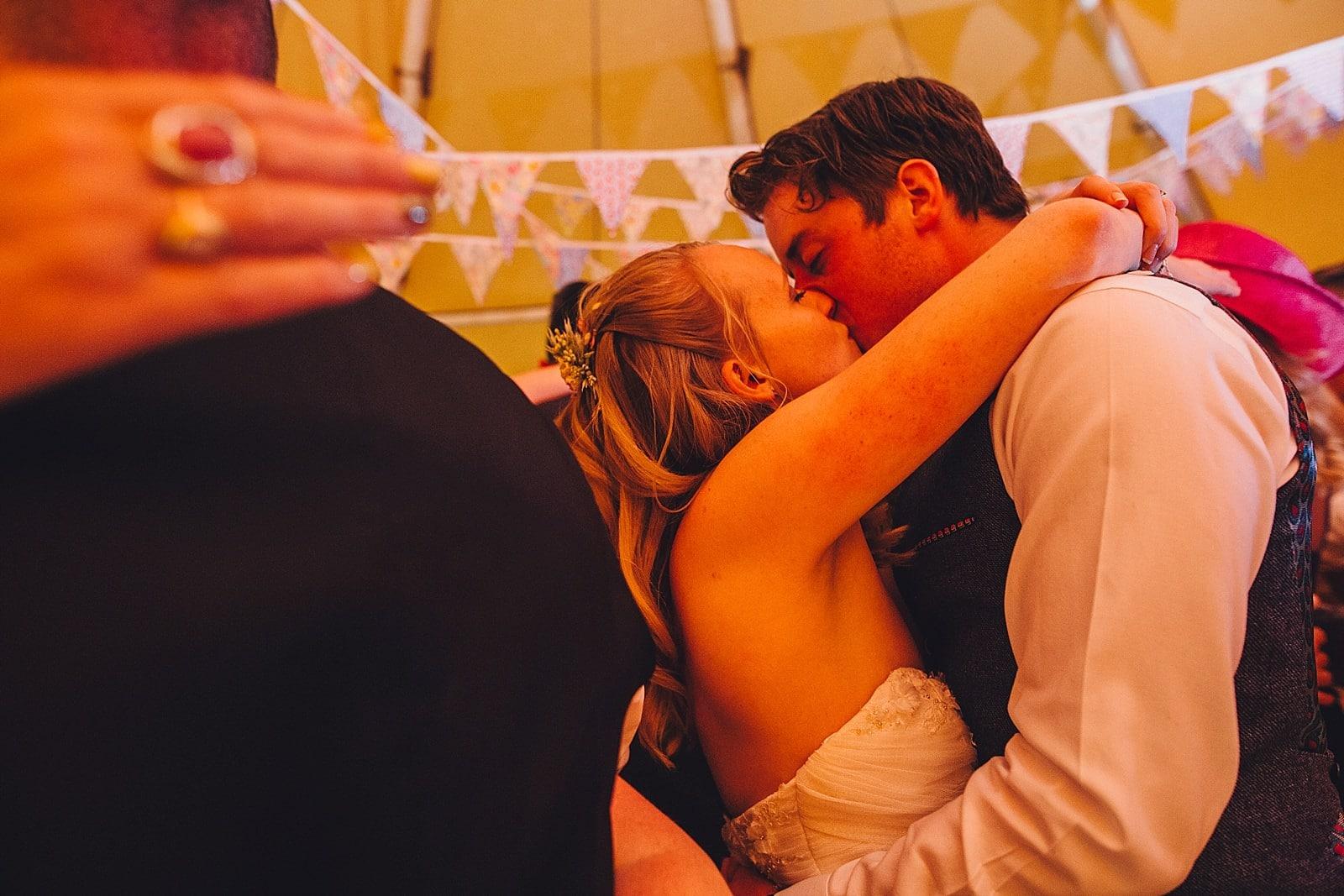 dovecote-barn-wedding-photography-adderbury_0071