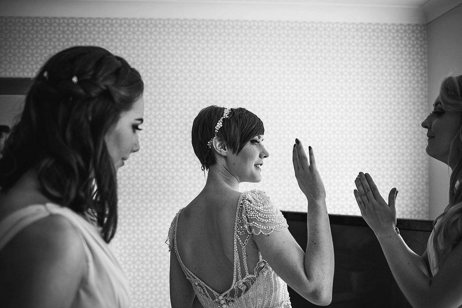 shustoke-barn-wedding-photography_0025
