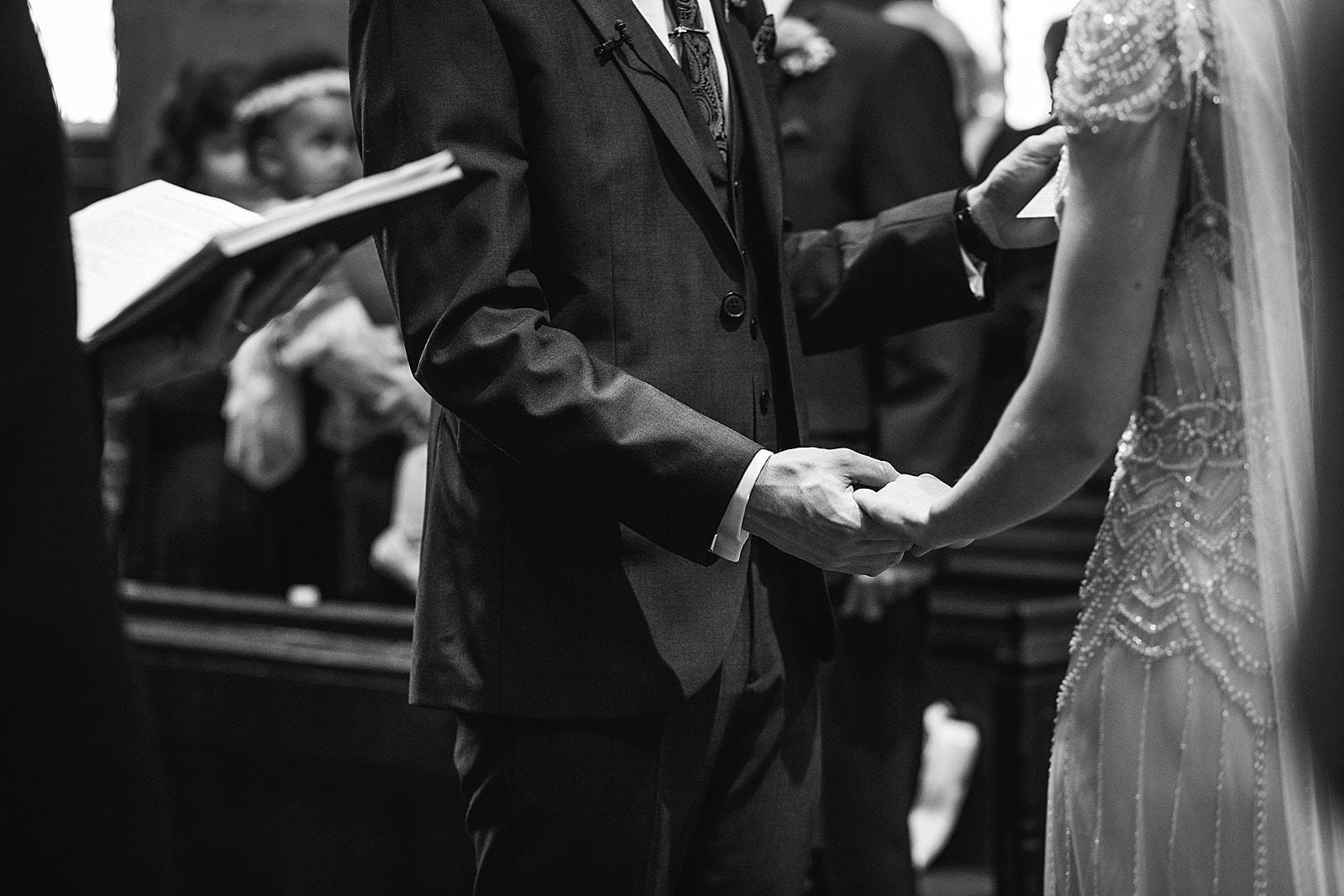 shustoke-barn-wedding-photography_0033