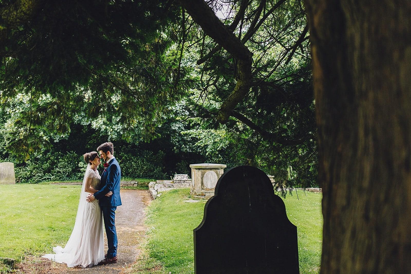 shustoke-barn-wedding-photography_0037