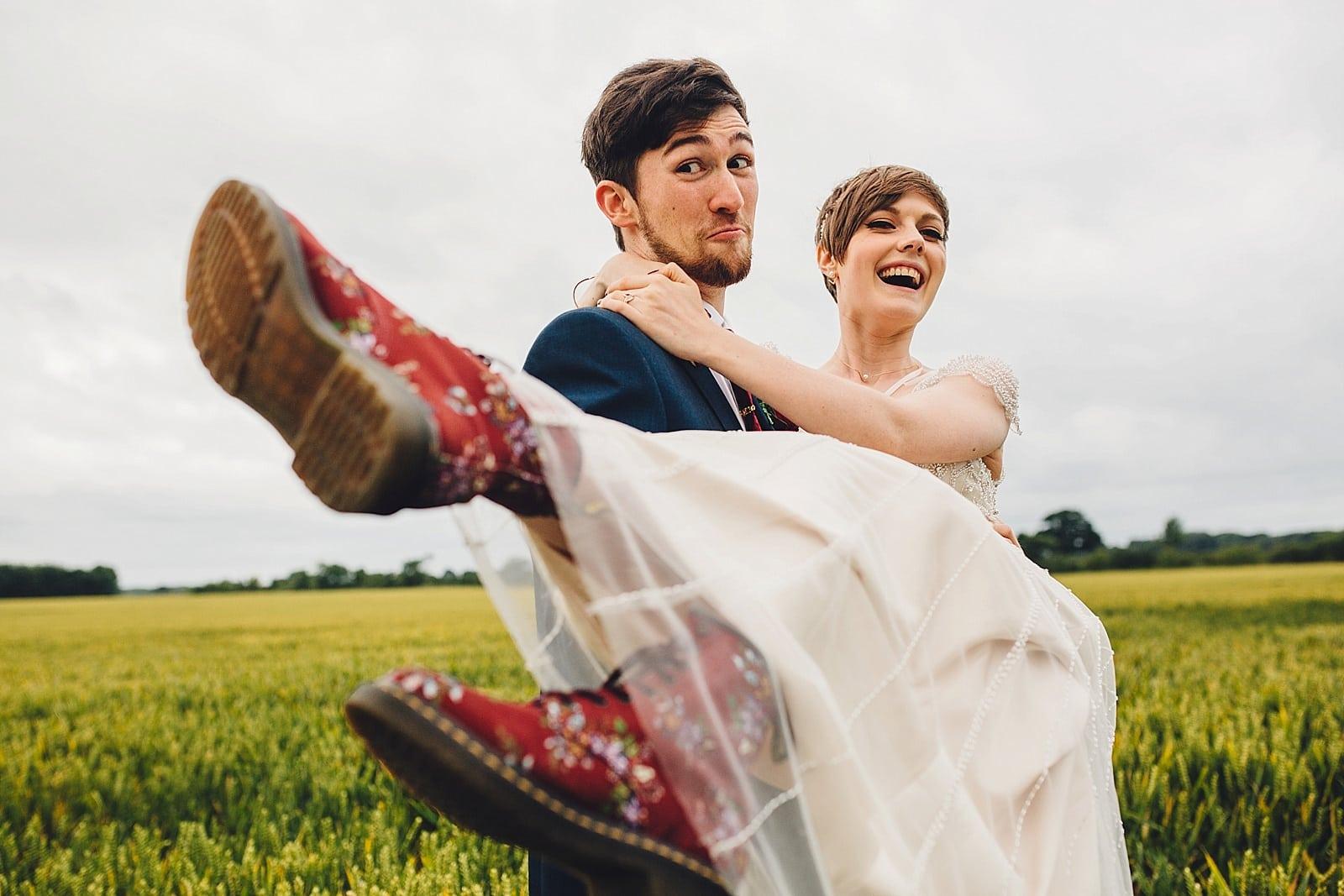 shustoke-barn-wedding-photography_0077