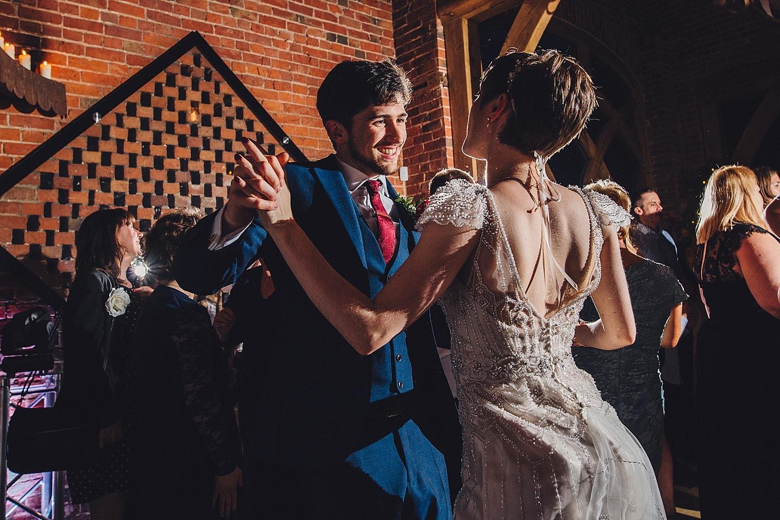 shustoke-barn-wedding-photography_0083